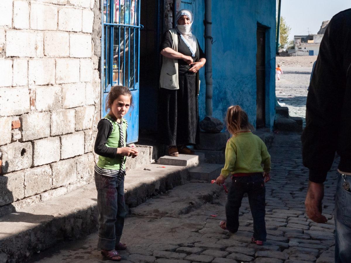 Scène de rue à Diyabakir (Turquie), novembre 2010.