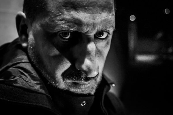 Autoportrait de Grégory Dziedzic, auteur photographe.